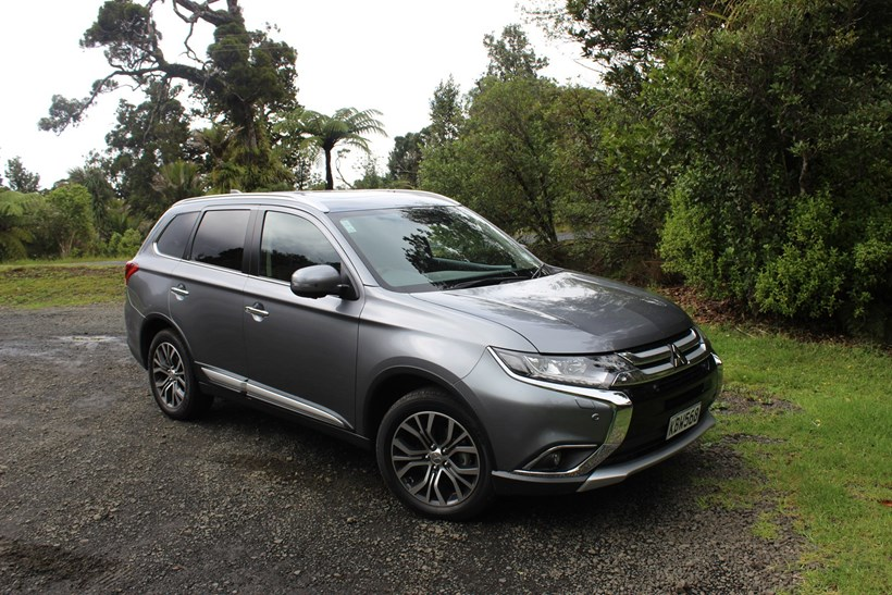 Mitsubishi Outlander Review by Driven